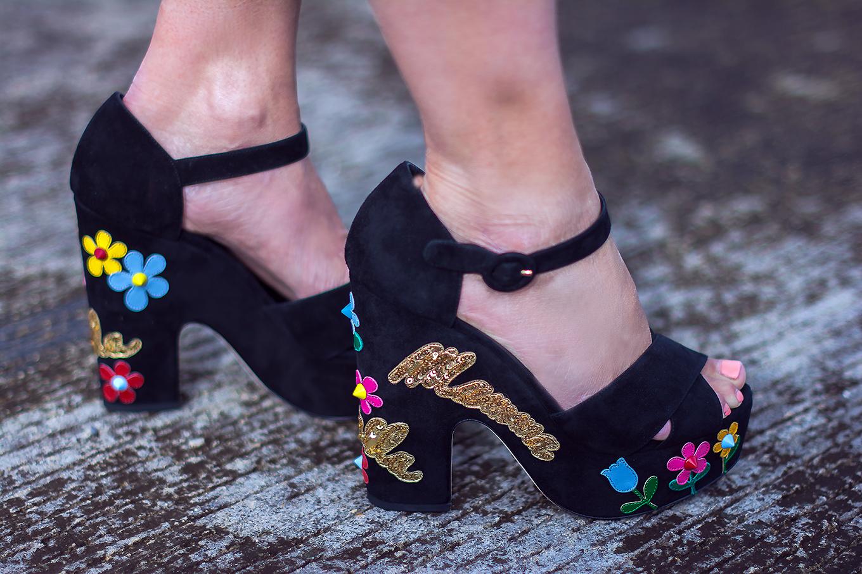 Dolce_Gabbana_Embellished_Mama_sandals